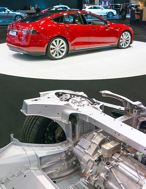 Новейший электропикап Tesla впервые засняли на дороге